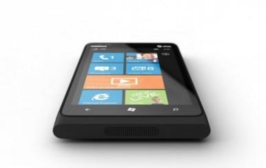 Lumia 900 ima ekran od 4,3 inča
