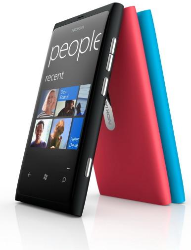 Lumia 800 se trenutno proizvodi u plavoj, crnoj i pink boji