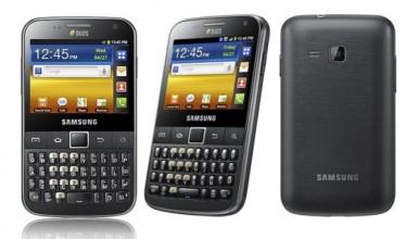Samsung Galaxy Y Pro Duos B5512  ima prednju i zadnju kameru