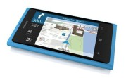 Nokia-Lumia-900-vs-Apple-iPhone-4-1
