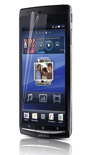 Impozantni LCD ekran od 4,2 inča daje sliku u rezoluciji od 480x854 piksela