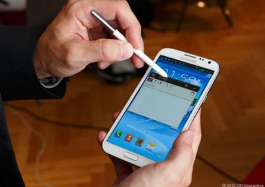 Samsung Galaxy Note 2 - prozvan teletablet zbog odlika i telefona i tableta