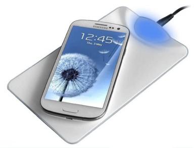 """Samsung Galaxy S4 trebalo bi da bude """"opremljen"""" opcijom za bežično punjenje baterije"""