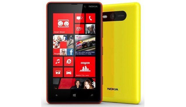 Windows Phone 8 ovom modelu i njegovom korisniku pruža veliki broj opcija