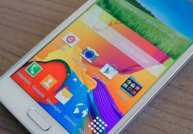 Samsung Galaxy S5 vs HTC One M8 3