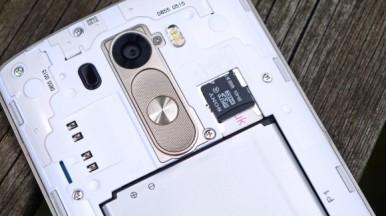 LG G3 vs HTC One M8 4