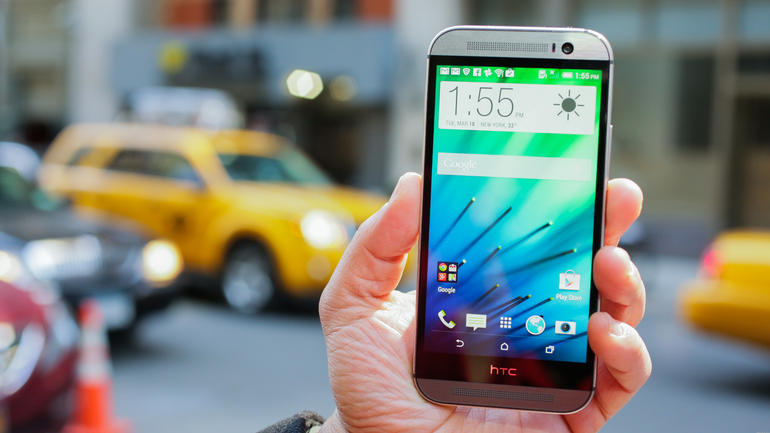 LG G3 vs HTC One M8 6