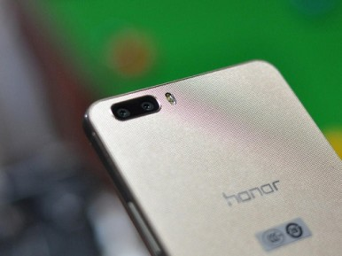 Huawei_Honor_6_Plus_3