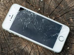 broken-iphone-display