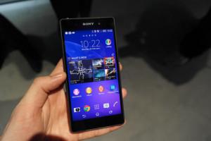 Sony Xperia Z3+ u ruci